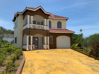 6 bed 5 bath House For Sale in Anderson HeightsMay Pen, Clarendon, Jamaica