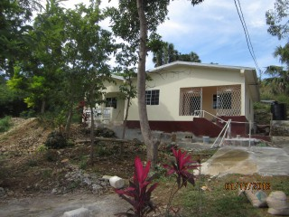Upper Burnt Ground, St. Elizabeth, Jamaica - Flat for Lease/rental