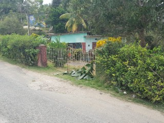 2 bed 1 bath House For Sale in West Prospect Bog Walk, St. Catherine, Jamaica