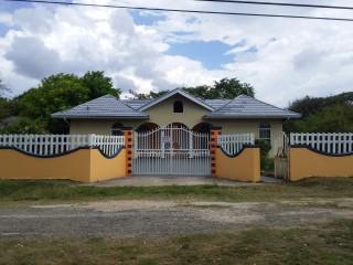4 bed 4 bath House For Sale in trelawny, Trelawny, Jamaica