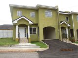 Mandeville, Manchester, Jamaica - Townhouse for Lease/rental