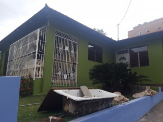 4 bed 2.5 bath House For Rent in Annette Crescent, Kingston / St. Andrew, Jamaica