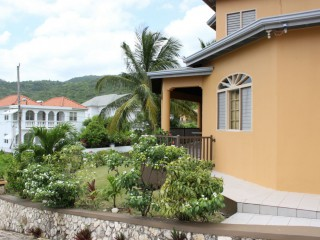 6 bed 4.5 bath House For Sale in Vista del mar, St. Ann, Jamaica
