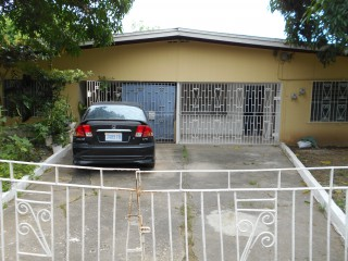 2 bed 1 bath House For Rent in Leiba Gardens Spanish Town, St. Catherine, Jamaica