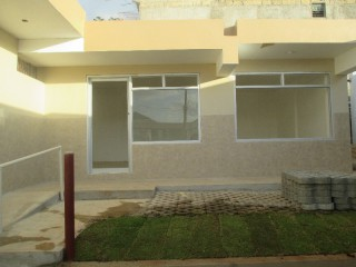1 bath Commercial building For Rent in Mandeville, Kingston / St. Andrew, Jamaica