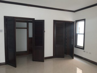 3 bed 3.5 bath Apartment For Sale in Cherry Gardens Proper, Kingston / St. Andrew, Jamaica