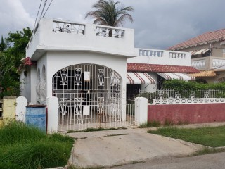 4 bed 2 bath House For Sale in BRIDGEPORT, St. Catherine, Jamaica