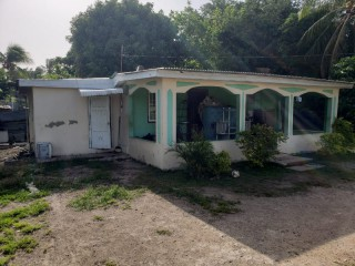 1 bed 1 bath House For Sale in Greater Portmore, St. Catherine, Jamaica