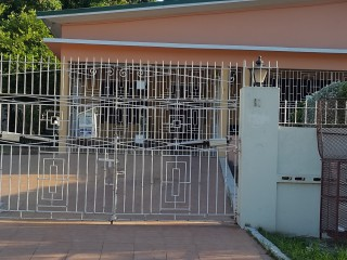 2 bed 1 bath House For Rent in Havendale, Kingston / St. Andrew, Jamaica