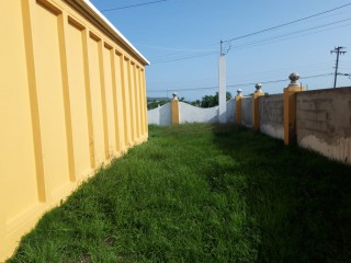 2 bed 1 bath House For Sale in Greater Portmore, St. Catherine, Jamaica