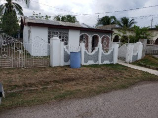 2 bed 2 bath House For Sale in Blackwood Gardens, St. Catherine, Jamaica