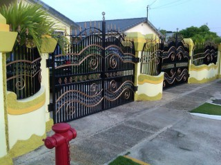 5 bed 3.5 bath House For Sale in Old Harbour, St. Catherine, Jamaica