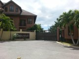 Beverly Vale Close, Kingston / St. Andrew, Jamaica - Apartment for Lease/rental