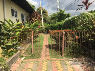 1 bed 2 bath Apartment For Rent in Queensbury, Kingston / St. Andrew, Jamaica