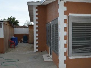 3 bed 2 bath House For Sale in Oakland Avenue, Kingston / St. Andrew, Jamaica