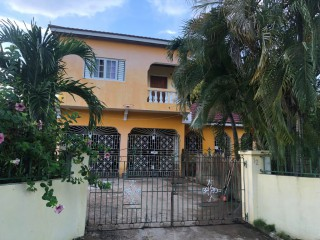 6 bed 3 bath House For Sale in Lauriston, St. Catherine, Jamaica