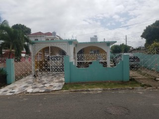 4 bed 3 bath House For Sale in SPANISH TOWN, St. Catherine, Jamaica