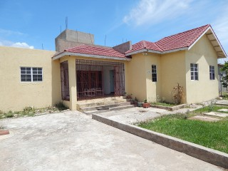 Hellshire Circle, St. Catherine, Jamaica - House for Sale