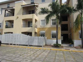 2 bed 1 bath Apartment For Rent in Winchester Road, Kingston / St. Andrew, Jamaica