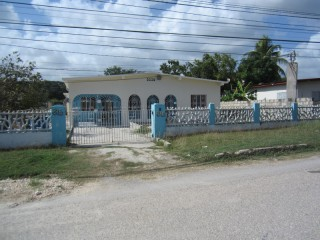 4 bed 3 bath House For Sale in Off St Johns Road, St. Catherine, Jamaica
