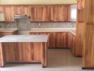 3 bed 4.5 bath Townhouse For Sale in SHORTWOOD RD, Kingston / St. Andrew, Jamaica