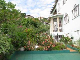 West Kirkland Hghts, Kingston / St. Andrew, Jamaica - House for Sale