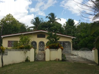 4 bed 2 bath House For Sale in Riversdale, St. Catherine, Jamaica