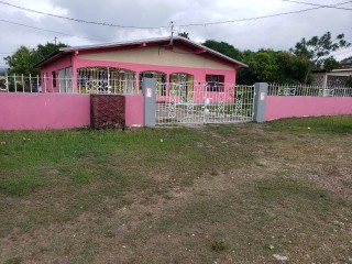 3 bed 2 bath House For Sale in Four Paths, Clarendon, Jamaica