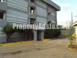 1 bed 1 bath Apartment For Rent in Kencot, Kingston / St. Andrew, Jamaica