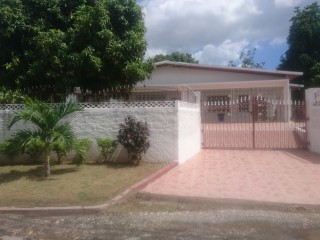 8 bed 6 bath House For Sale in Ziadie Gardens, Kingston / St. Andrew, Jamaica