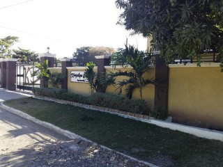 3 bed 3.5 bath Apartment For Sale in off Red Hills Road, Kingston / St. Andrew, Jamaica