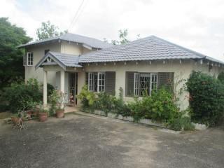 4 bed 4 bath House For Sale in Trenton, Clarendon, Jamaica