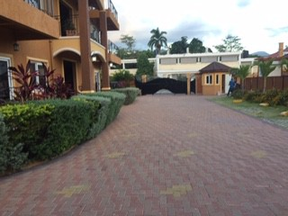 3 bed 4.5 bath Townhouse For Sale in GOLDEN TRIANGLE KINGSTON 6, Kingston / St. Andrew, Jamaica
