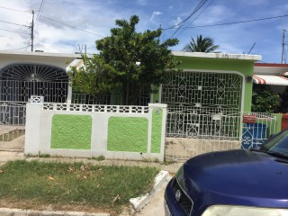 Eltham Meadows Spanish Town St Catherine, St. Catherine, Jamaica - House for Sale