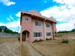 3 bed 3 bath Townhouse For Sale in Spanish Town, St. Catherine, Jamaica