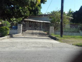 5 bed 3 bath House For Sale in Havendale, Kingston / St. Andrew, Jamaica