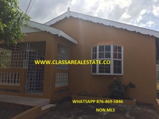 2 bed 1 bath House For Rent in BOGUE VILLAGE, St. James, Jamaica