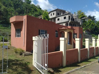 2 bed 2 bath House For Rent in Maverley Mountain  Sterling Caslte, Kingston / St. Andrew, Jamaica
