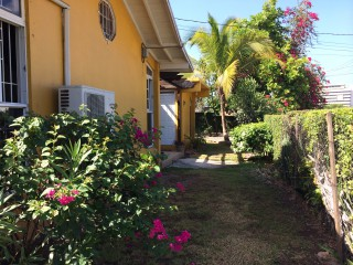 1 bed 1 bath Flat For Rent in New Kingston, Kingston / St. Andrew, Jamaica