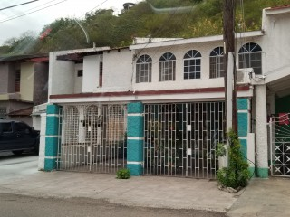 4 bed 3 bath Townhouse For Sale in FOREST HILLS GARDENS, Kingston / St. Andrew, Jamaica