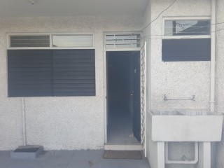 Waterloo Area, Kingston / St. Andrew, Jamaica - Townhouse for Lease/rental