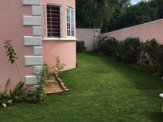 SHORTWOOD AREA, Kingston / St. Andrew, Jamaica - Townhouse for Sale
