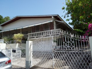 6 bed 3 bath House For Sale in Inglewood, Clarendon, Jamaica