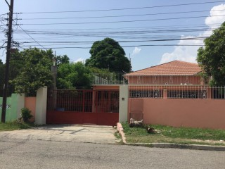 4 bed 3 bath House For Rent in Molynes Gardens, Kingston / St. Andrew, Jamaica