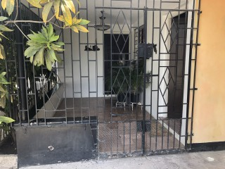 4 bed 2 bath House For Sale in Maxfield Ave, Kingston / St. Andrew, Jamaica