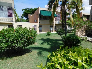 Waterloo Road, Kingston / St. Andrew, Jamaica - Apartment for Lease/rental