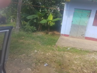 2 bed 1 bath Commercial building For Sale in Kellits, Clarendon, Jamaica
