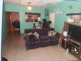 10 bed 5 bath House For Sale in Lyndale Road, Kingston / St. Andrew, Jamaica
